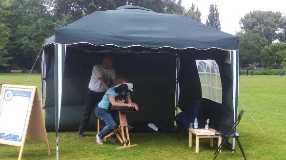 stoelmassage party tent
